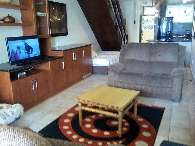 Unit 15 Lounge