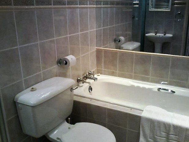 Unit 16 Bathroom