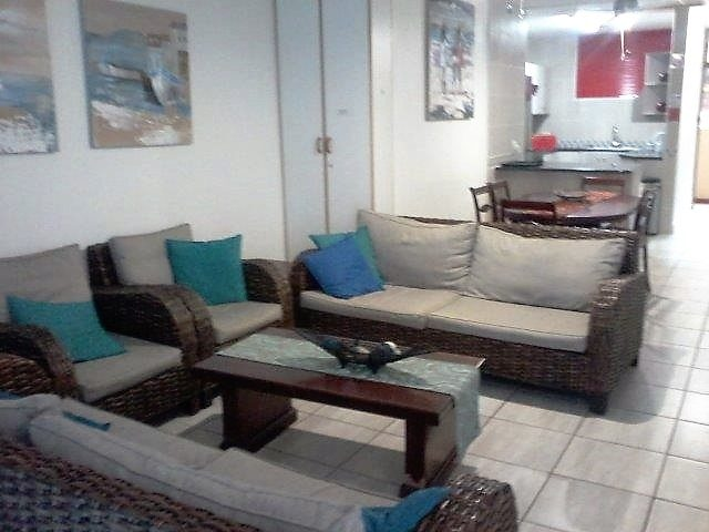 Unit 20 Lounge