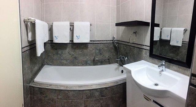 Unit 6 – Bathroom