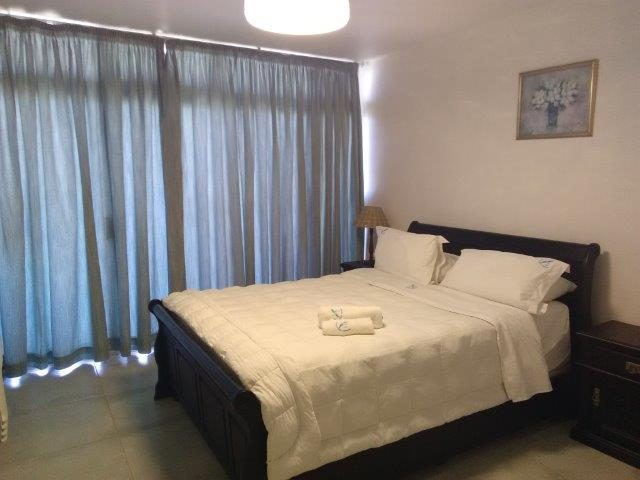 Unit 10 – Main Bedroom