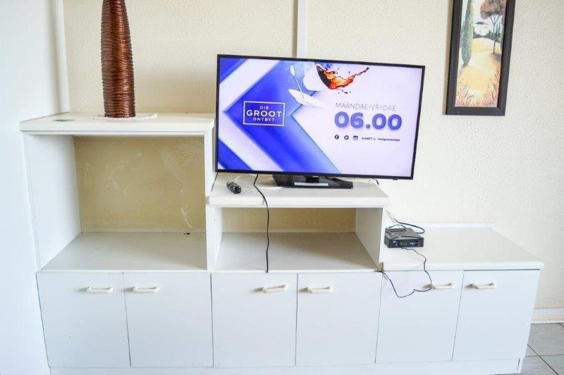 Unit 38 TV