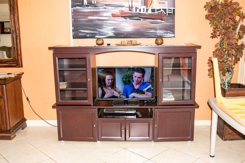 Unit 50 TV