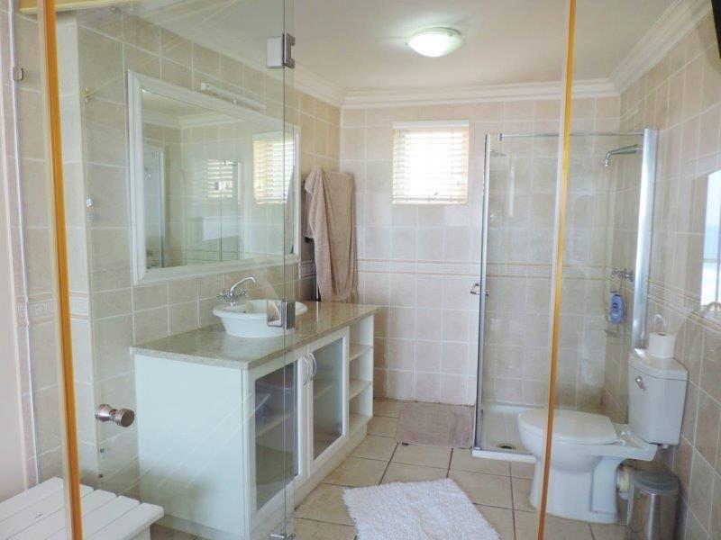 Unit 33 Bathroom